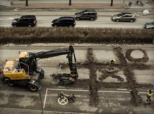 construction-tic-tac-toe